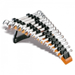 Beta15-delig set ringsteeksleutels op een standaard