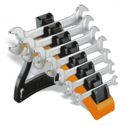 Beta 7-piece set of ring spanners on a standard